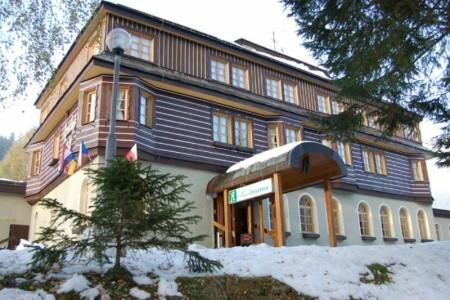 Alpský Hotel - Krkonoše v červnu