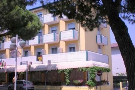 Hotel Portofino** - Caorle Ponente - Veneto 2021/2022   Dovolená Veneto 2021/2022