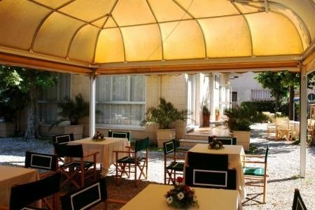 Hotel Giulia*** - Marina Di Massa