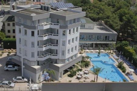 Hotel Dyrrah - u moře