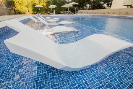 Girassol Suite Hotel - v dubnu