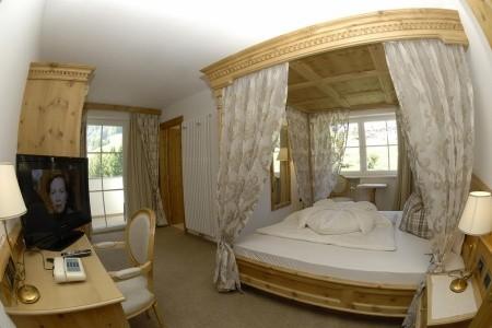 Hotel Scherlin S Bazénem Pig - Ortisei - Val Gardena 2021 | Dovolená Val Gardena 2021