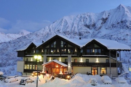 Hotel Adamello, Passo Tonale, Itálie: Lyžařský Pobyt 5 Nocí - Last Minute a dovolená