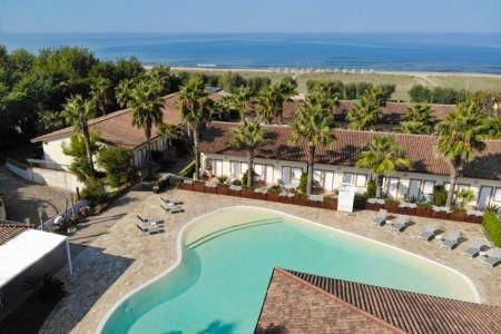 Hotel Paestum Inn Beach Resort**** - Paestum