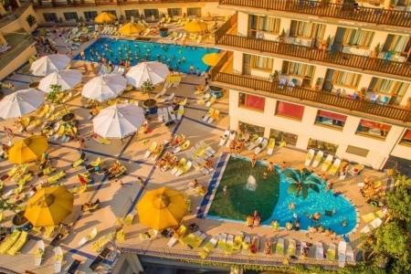 Wisła, Hotel Gołębiewski**** Se Vstupem Do Aquaparku Tropikana, Polsko,