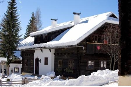 Familienferiendorf Kirchleitn Kleinwild (Ei) - Rakousko v únoru