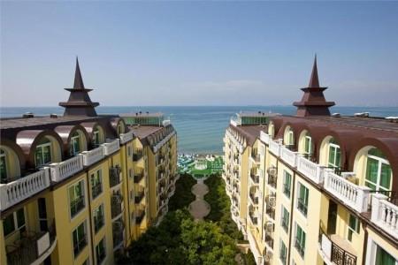 Amore Beach Hotel