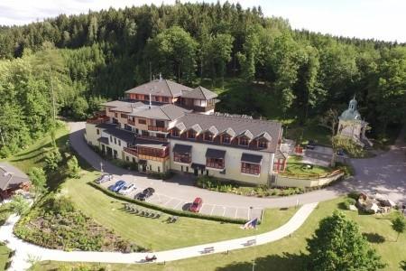 Hotel Studánka: Pohádková Dovolená 4 Noci - Podzimní dovolená v Orlických horách