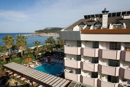 Hotel Fame Residence Beach