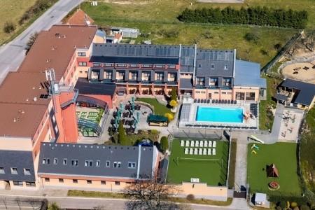 Wellness Hotel  Panorama: Rekreační Pobyt S Polopenzí 7 Nocí, Česká republika, Moravský kras