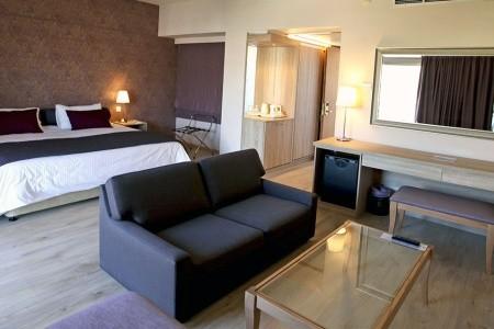 Poseidonia Beach Hotel - Kypr letecky z Bratislavy s polopenzí v červenci - recenze