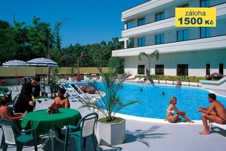 Hotel Clorinda S Bazénem Re- Paestum