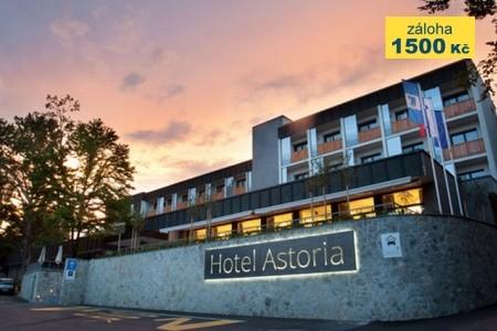 Hotel Astoria - v září