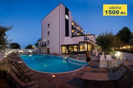 Hotel Ferretti Beach S Bazénem Pig– Rimini Marina Centro - Last Minute a dovolená