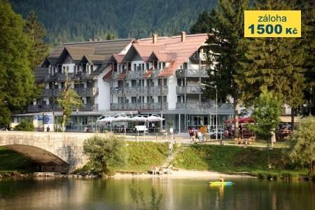 Hotel Jezero - v říjnu