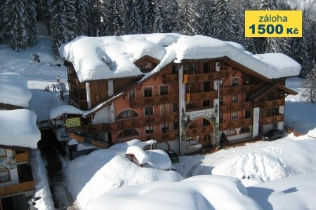 Hotel Garni Dal Bracconiere***