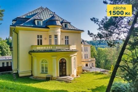 Teplice Nad Bečvou - Lázeňský Dům Moravan - v září