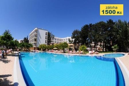 Pia Bella Hotel - v červnu