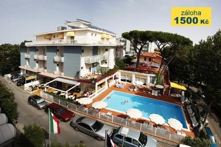 Hotel Villa Dei Fiori S Bazénem - v srpnu