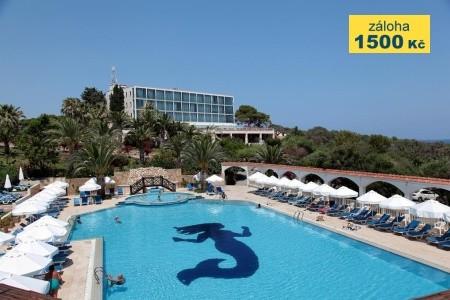 Denizkizi Hotel - u moře