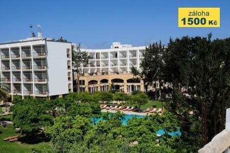 Pia Bella Hotel - v srpnu