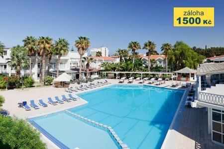 La Hotel - v září