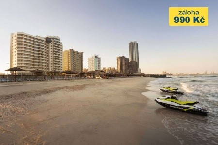 Ramada By Wyndham Beach Hotel Ajman - v květnu