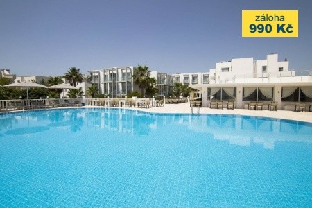 Hotel Isis Charm Beach