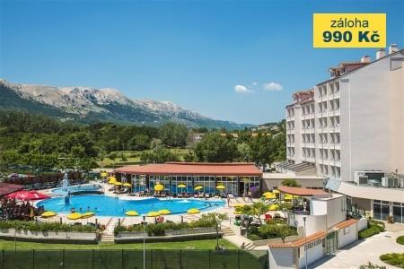 Hotel Corinthia - autobusem