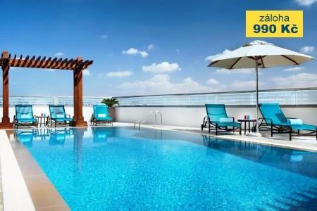 Hilton Garden Inn Dubai Al Muraqabat - v září