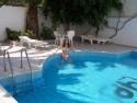 U bazénu 2