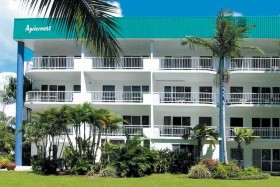 Agincourt Apartments, Clifton Beach, Cairns