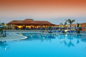 Tsokkos Holiday Hotel Apartmen