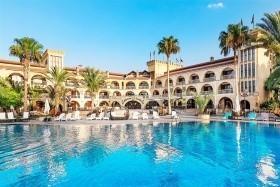 Hotel Le Chateau Lambousa