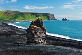 Gejzíry, ledovce, vodopády a fjordy Islandu - letecké víkend