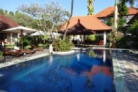 Taman Agung - Výlety V Ceně