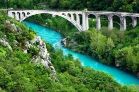 Smaragdová Soča, jezera Bled a Bohinj a Lublaň