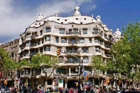 LAST MINUTE Adventní Barcelona, hotel Tres Torres*** s autobusovým okruhem městem