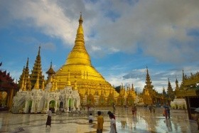 Napříč Barmou