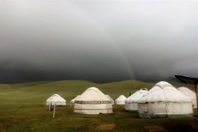Kyrgyzstán - rajská příroda jezer a hor