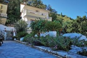 Fotis House