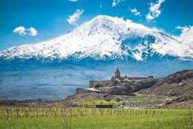 Tbilisi, Stepantsminda, Jerevan, Echmiadzin