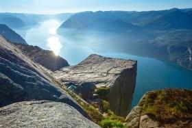 LEGENDÁRNÍ NORSKÉ FJORDY A VYHLÍDKY
