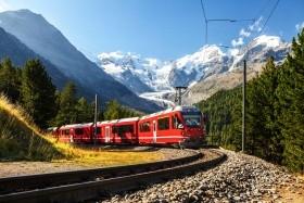 Nejkrásnější kouty Švýcarska panoramatickými drahami
