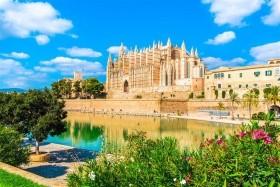 Savona, Palma de Mallorca, Marseille, Rím, Cinque Terre, Florencia, Barcelona, Vatikán