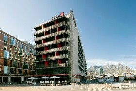 Radisson Red V&a Waterfront