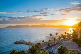 Půvab Azurového pobřeží s možností koupání u moře