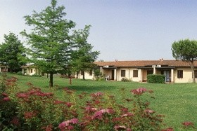 Villaggio The Garda Village S Bazénem Pig– Sirmione / Lago Di Garda