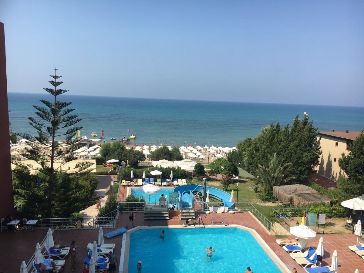 Hotel armas bella luna recenze fotky klient for Hotel pistolas