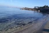 pláž u hotelu Cavo Maris
